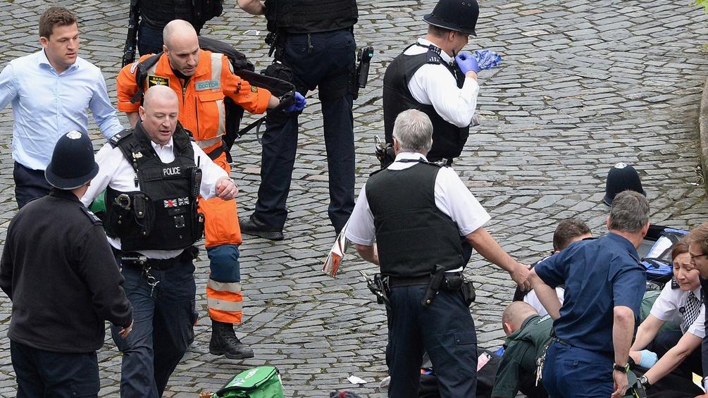 Polizei und Rettung in London