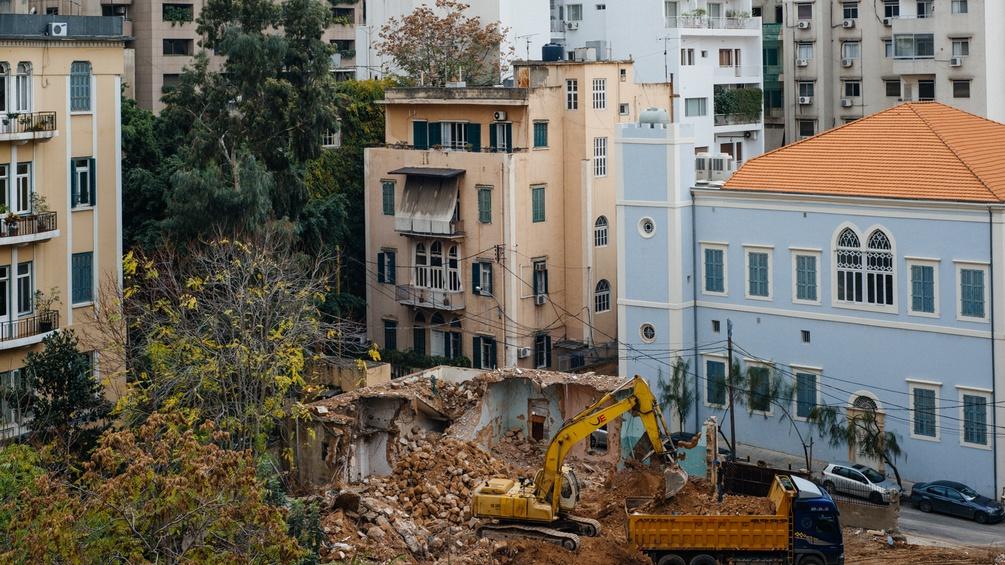 Die alte mediterrane Architektur muss im Libanon leider allzu oft modernen Hochhäusern weichen.