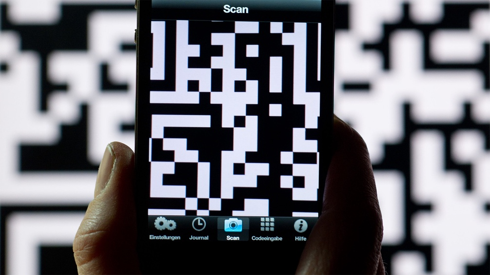 Handy mit QR-Code