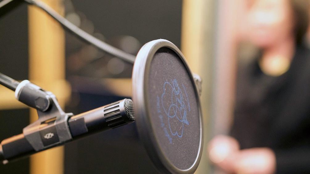 Mikrofon im Hörspielstudio