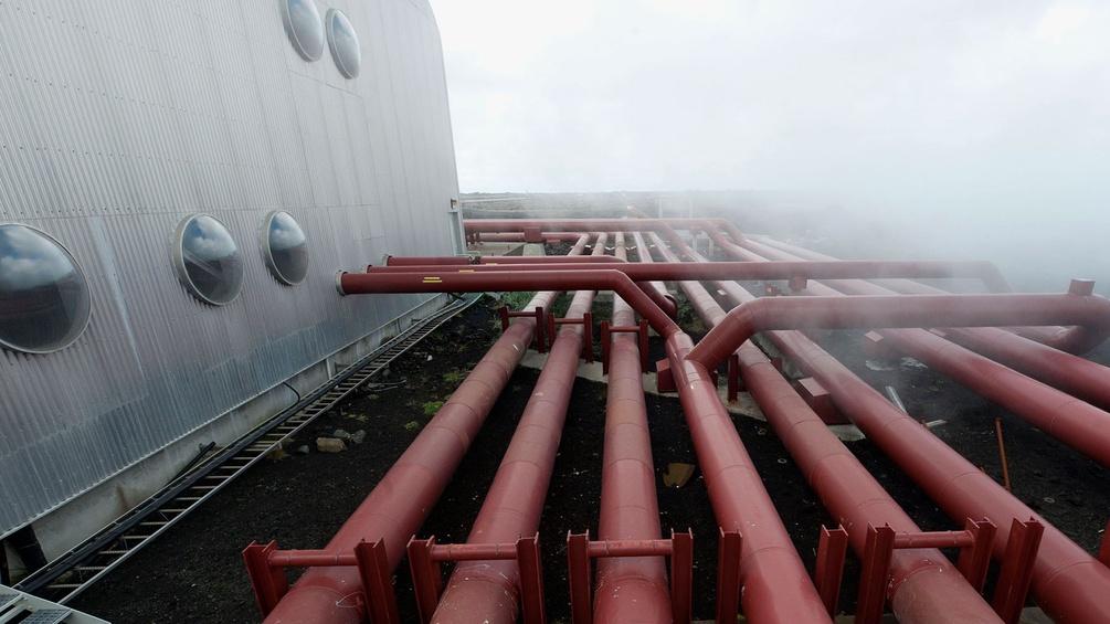 Pipeline, Island