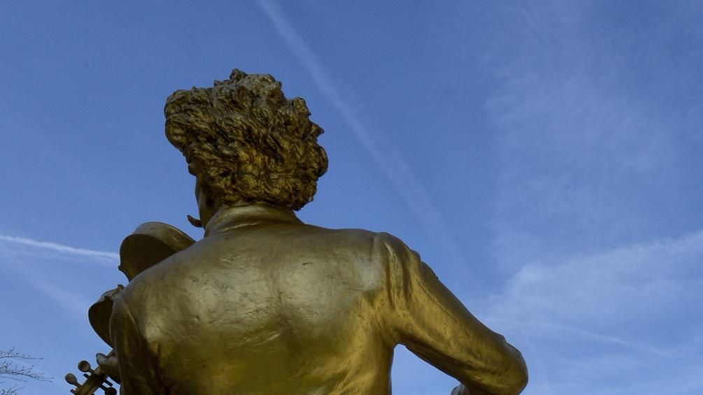 Goldene Statue von Johann Strauss