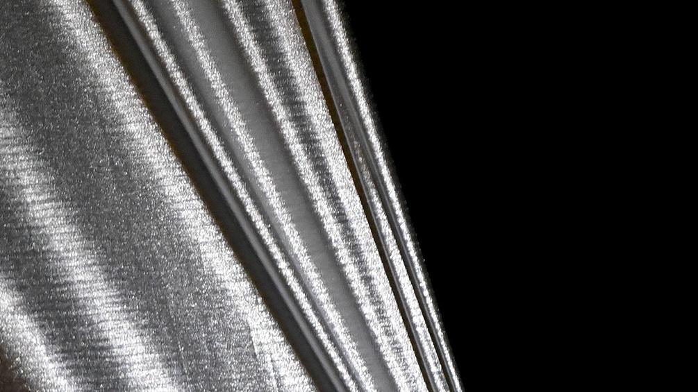 Ein silberner Vorhang