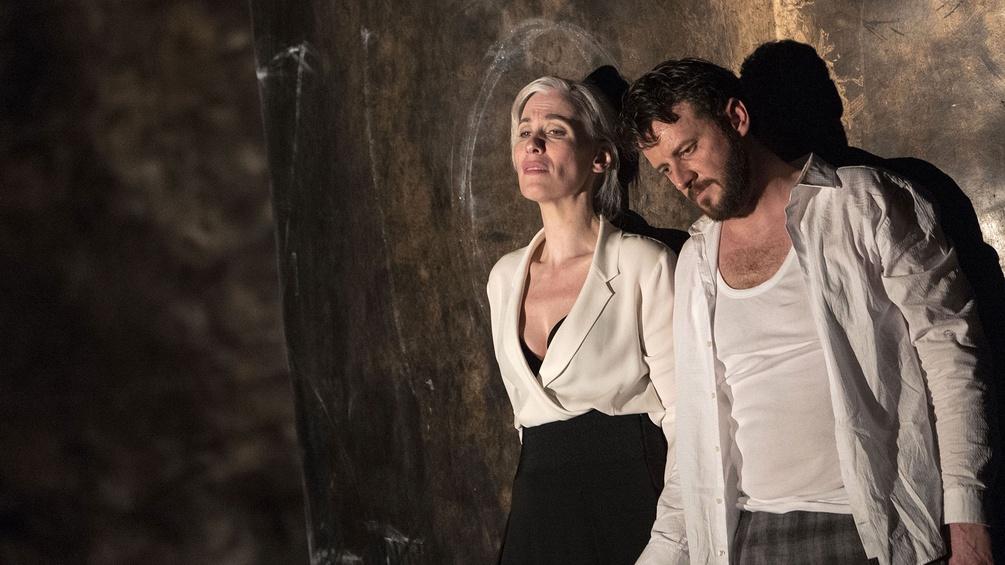 """Alexandra Deshorties (Elisabetta), Norman Reinhardt (Leicester) während einer Probe von Rossinis """"Elisabetta, regina d'Inghilterra"""""""