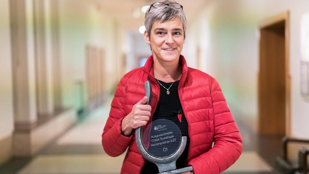 Ursula Burkert mit Preis