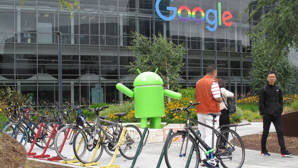 Android-Maxerl vor Google Headquarter