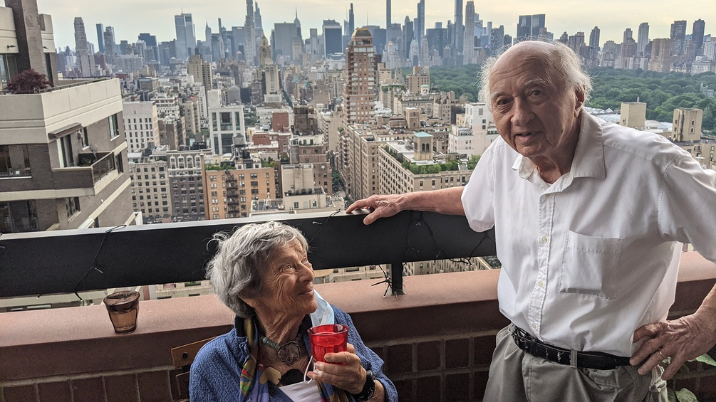 New York: Emigrants at the regulars' table since 1943 |  SA |  19 06 2021 |  9:05