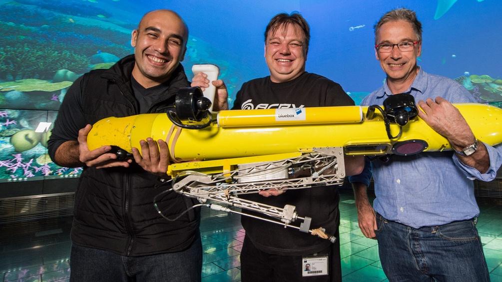 Feras Dayoub, Matt Dunbabin und Peter Corke mit COTSbot
