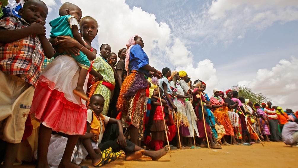 Menschenschlange, Sudan
