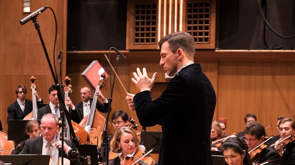 Cornelius Meister dirigiert das RSO Wien