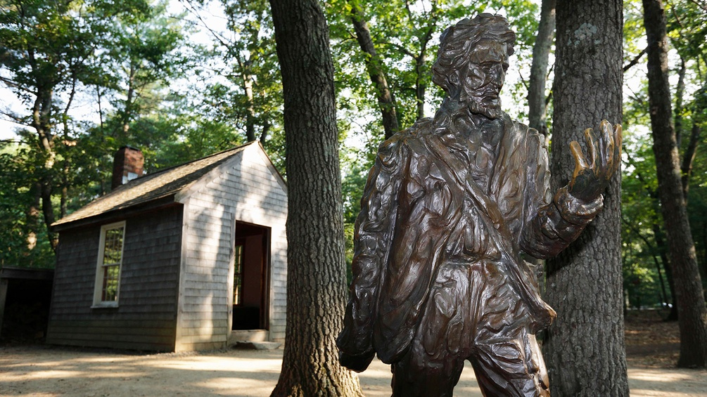 Henry-David-Thoreau-Statue