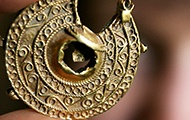 Stück aus einem Goldschatz