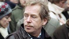 Vaclav Havel in eienr Menschenmenge