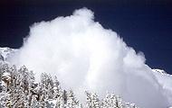 Schnee-Staubwolke