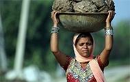 Frau im indischen Grenzgebiet