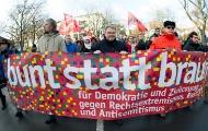 """Demonstratio mit Transparenz """"bunt statt braun"""""""