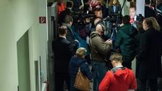 HC Strache umkreist von Journalisten