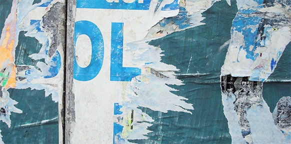 Abgerissene Plakatwand