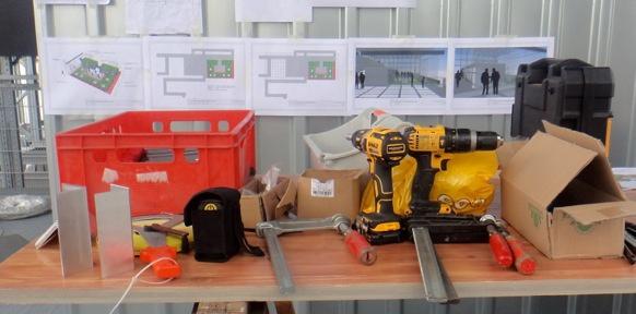 Tisch mit Werkzeug