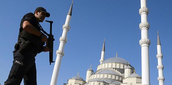 Ein türkischer Polizist