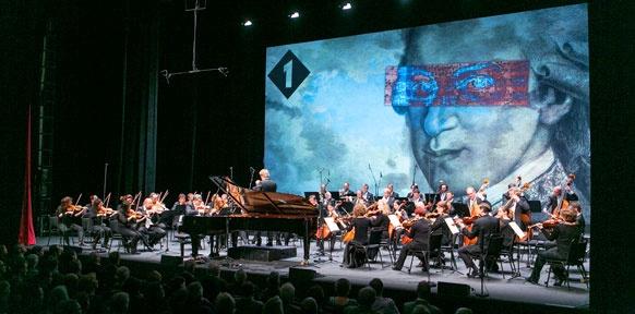 Bühnebild mit Mozartkopf