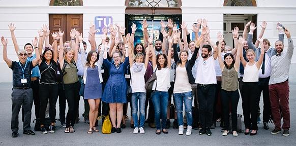 Teilnehmer der Summer School vor der TU Wien