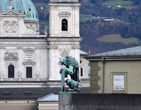 Blick vom Festspielhaus zum Dom