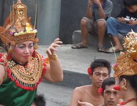 Ein balinesische Tempeltänzerin