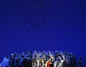 Chroszene auf einer Opernbühne
