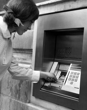 Bankomat in London, 1968