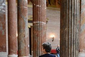 Säulen im Parlament